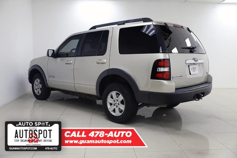 Pre-Owned 2007 Ford Explorer XLT