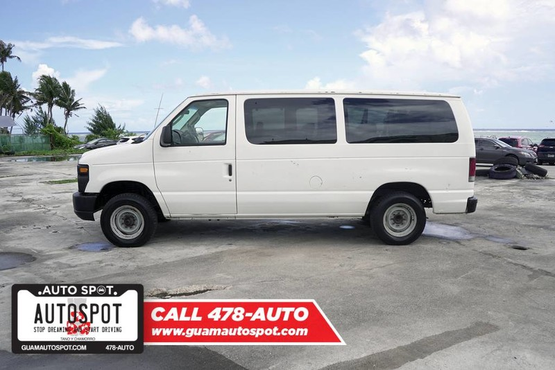 Pre-Owned 2008 Ford Econoline Wagon XL