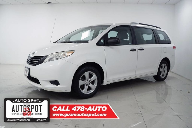 Pre-Owned 2013 Toyota SIENNA I4 LE FWD
