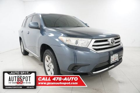 Pre-Owned 2013 Toyota Highlander Plus
